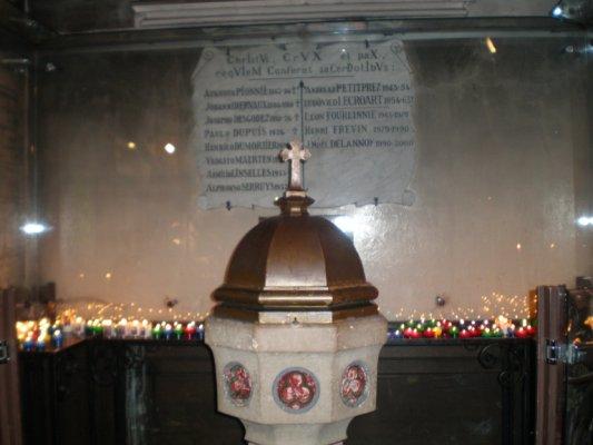 Ste Rita Eglise Eubert à VENDEVILLE (59)